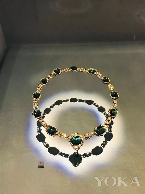 蒂芙尼18K黄金镶嵌钻石及祖母绿项链(图片来源于YOKA)