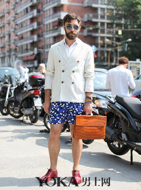 今夏必备印花裤  让你怎么穿都有型