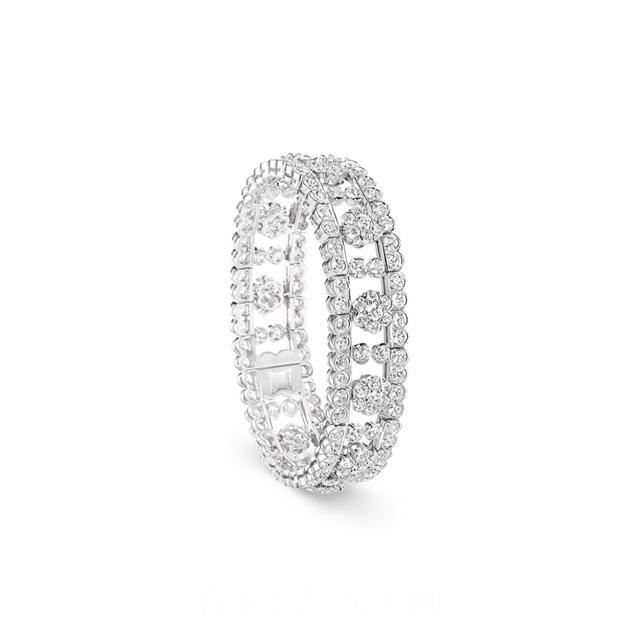 梵克雅宝年度系列Diamond Breeze璀璨冬日珠宝