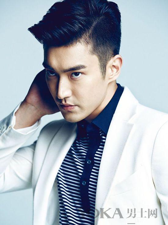 """韩国""""冷男""""爱耍酷 玩高冷还靠好发品"""