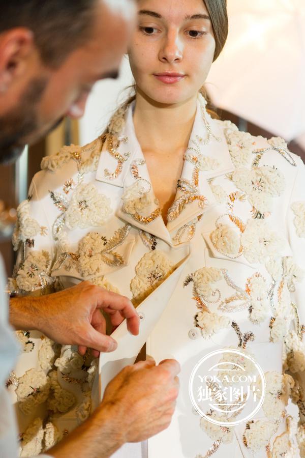 【最新】YOKA直击Dior16春夏北京大秀 一线花旦拼了