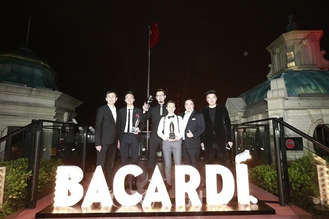 第四届bacardí百加得传世全球鸡尾酒大赛中国区三强与百加得集团高层合影