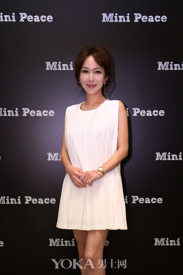 mini peace 16aw fashion show 艺人刘秀英