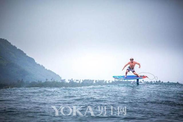 冲浪运动员zane schweitzer携手la nuit de la glisse探索更具野性的水域