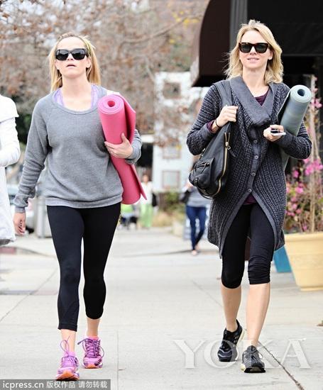 娜奥米·沃茨(Naomi Watts)与好姐妹瑞茜·威瑟斯彭(Reese Witherspoon)