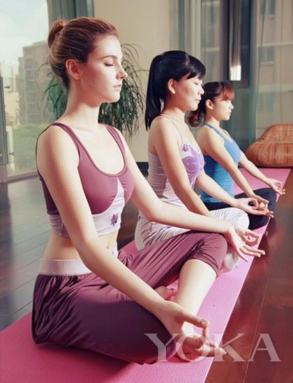 提早抵达瑜伽教室