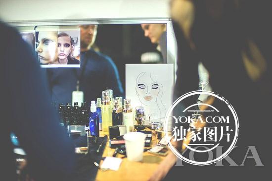 Rochas秀场妆容由CPB肌肤之钥独家全程赞助打造