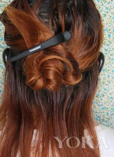 WWW_KKKK8888_COM_下半部分较多的头发梳成发髻-www.kkkk4444.com