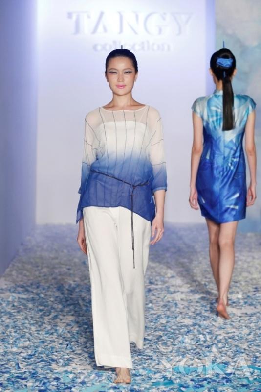天意TANGY梁子2014秋冬梅赛德斯奔驰中国国际时装周秀场