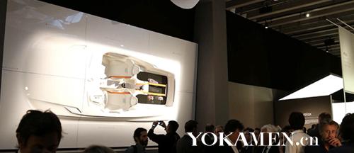 沃尔沃Concept XC内饰雕塑引来众多观众驻足围观