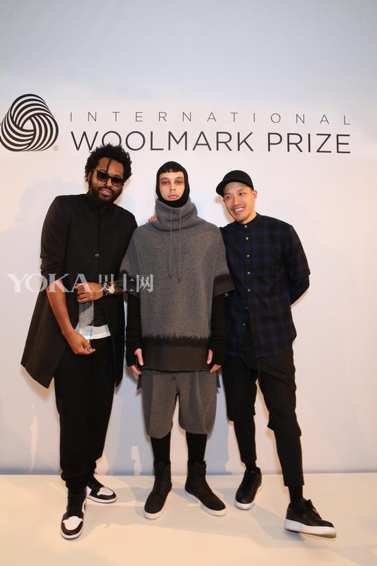 国际羊毛标志大奖男装组冠军-PUBLIC SCHOOL与模特(中)