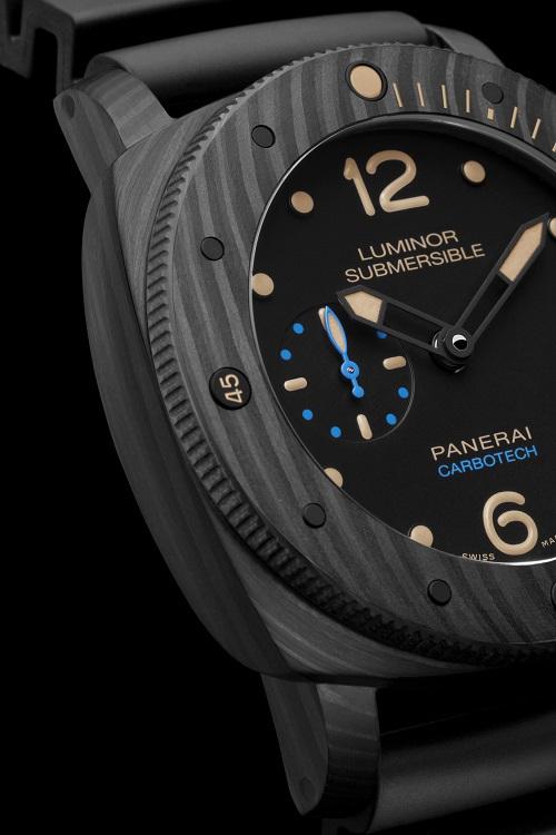3日动力储存自动专业潜水碳纤维腕表