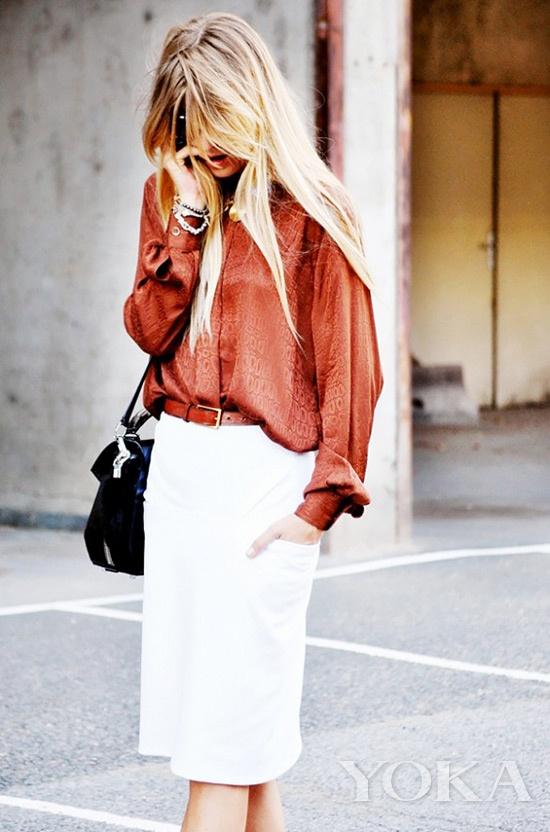丝绸衬衫+铅笔裙