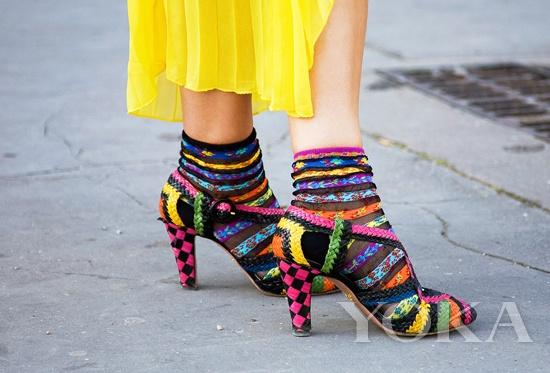 袜子也能配凉鞋?火到不行