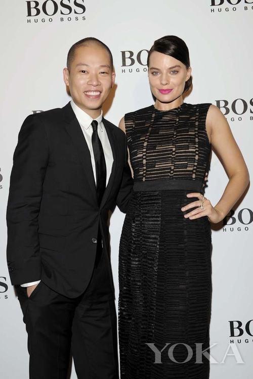 Jason Wu和《华尔街之狼》新星玛格特·罗比为Hugo Boss香港旗舰店开业站台