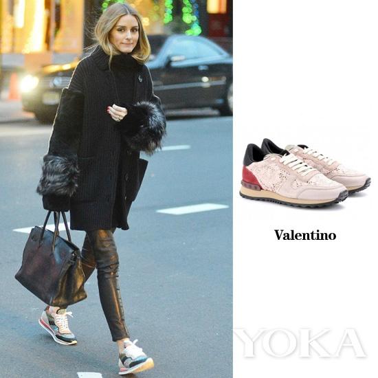 奥利维亚着Valentino运动鞋
