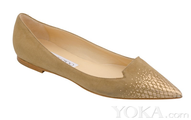 时髦尖头平底鞋 初夏就爱犀利感
