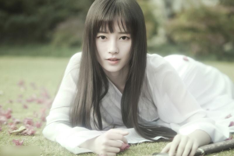 中国第一美女鞠婧t古装写真似女鬼