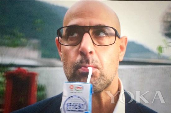 对于中国观众而言,《变形金刚4》唯一让他们记住的就是那盒牛奶。