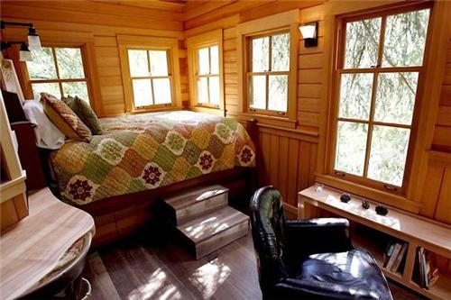 迷失森林 在西雅图的树屋做一天城市原始人