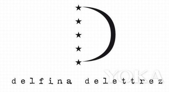 老佛爷为DelfinaDelettrez设计的Logo,半个月亮家装设计师怎么做图片