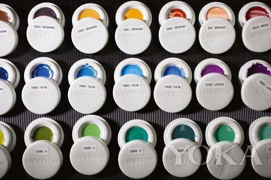 缤纷色彩的路易威登Escale世界时腕表