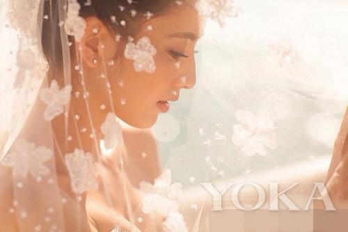 结婚照-思诚佟丽娅海量婚纱照 水中湿身热吻定情