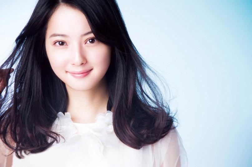 日本最美女星佐佐木希白裙写真优雅迷人