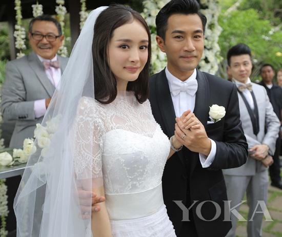 2014年1月8日,杨幂刘恺威二人在巴厘岛举行了温馨婚礼,正式宣布完婚。